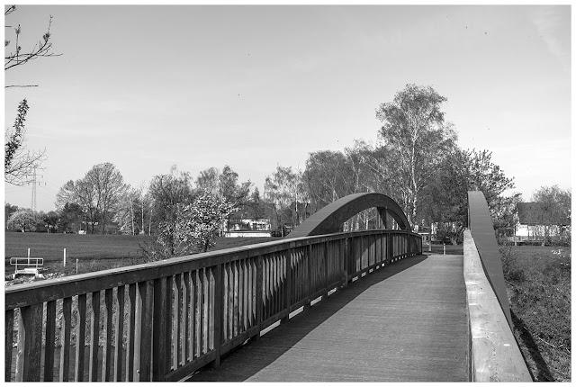 Brücke über die Weiße Elster bei Bornitz.