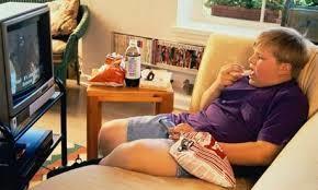 budaya makan sambil lihat tv