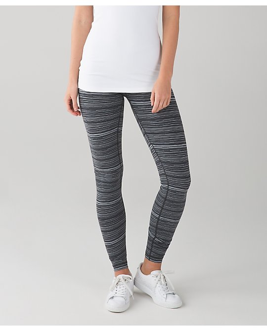 lululemon cyber-stripe-deep-coal wunder-under
