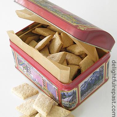 Hildesheimer Pumpernickel Kekse - A Traditional German Cookie / www.delightfulrepast.com