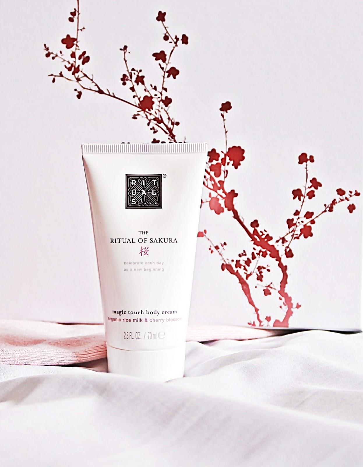 RITUALS - kosmetyki do kąpieli i pod prysznic z serii The Ritual of Sakura
