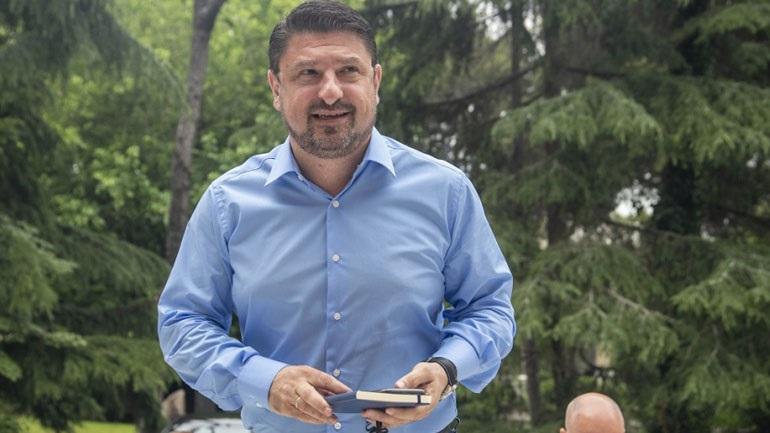 Κατέθεσε μήνυση για ένα νερό και ότι του είπαν ότι καταστρέφει την Ελλάδα