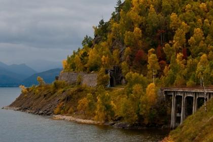 ทะเลสาบไบคาล (Lake Baikal) @ www.travelmediate.nl
