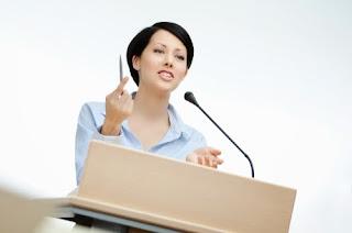 Contoh Pidato Dalam Bahasa Inggris Terlengkap Beserta Artinya
