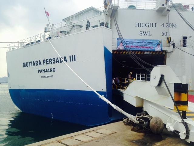 Kapal Mutiara Persada III terbakar