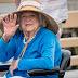 A ex-primeira dama dos EUA, Barbara Bush, abandona tratamento e decide morrer em paz.