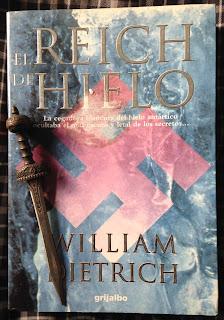 Portada del libro El Reich de hielo, de William Dietrich