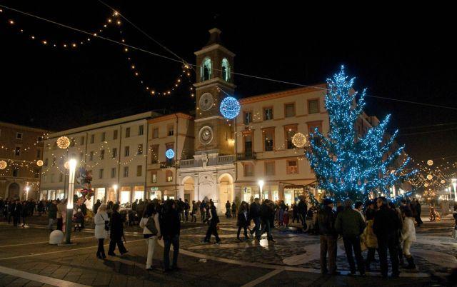 piazza-iii-martiri-capodanno-a-rimini-poracci-in-viaggio