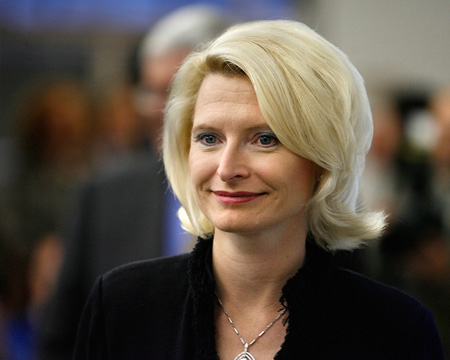 Callista Gingrich, did she get plastic surgery? (image hosted by http://kikoshouse.blogspot.com.es)
