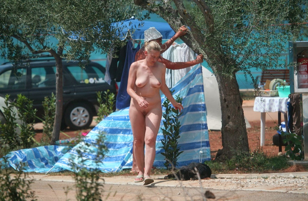 Share your Croatia nudist family with you