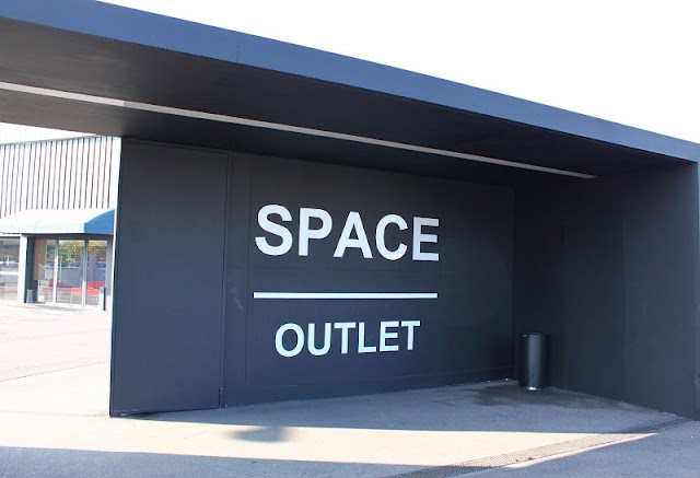Prada Space Outlet