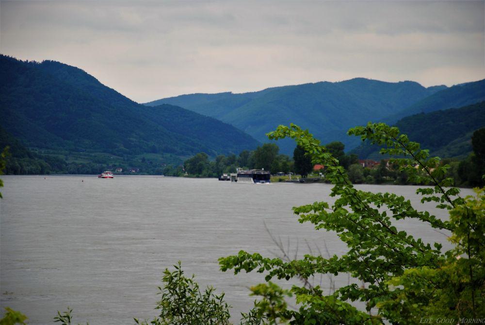 Dolina Wachau - na zamki i wino do Austrii