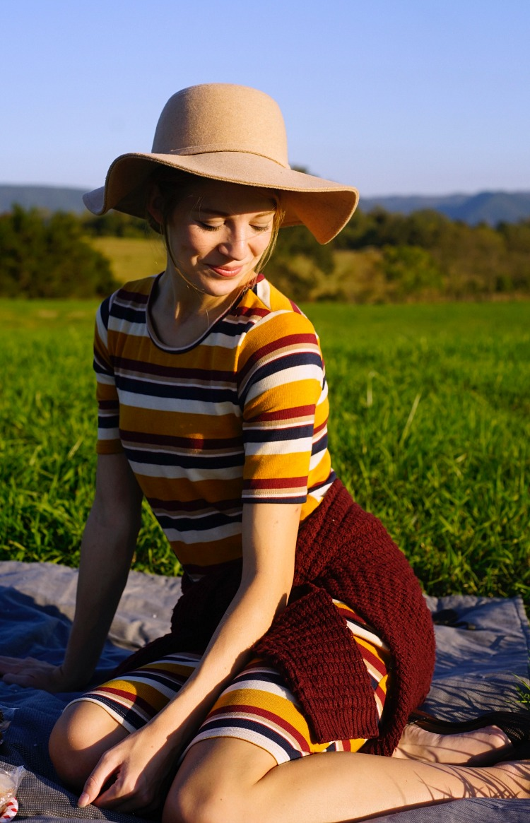 Virginia Picnic Girl in Dress Floppy Hat