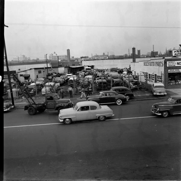 Classic Car Junk Yards >> 50 Vintage Photos of Classic Car Salvage Yards and Wrecks from between the 1940s and 1950s ...