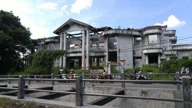 lokasi rumah hantu darmo surabaya