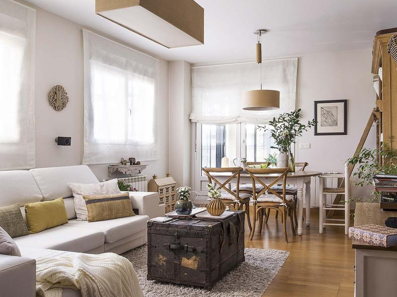 Decordemon house in madrid with a cozy countryside atmosphere for Decoracion natural interiores