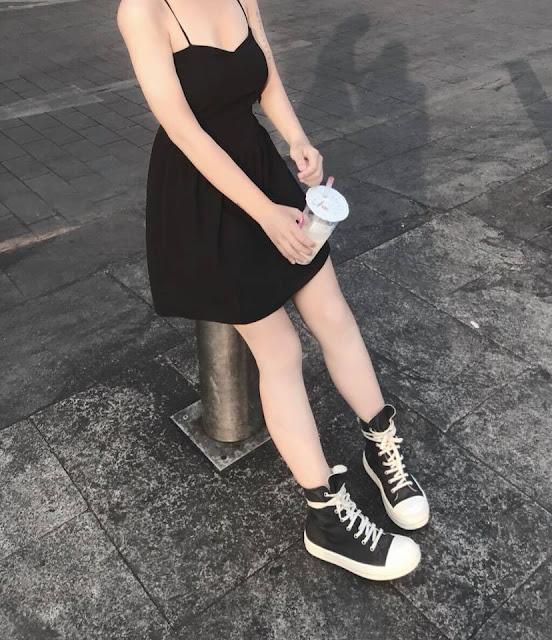 Hình Ảnh Hot Girl Mặc Quần Ngắn Lộ Đôi Chân Thon Dài & Gợi Cảm
