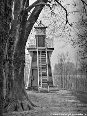 Leuchtfeuer Bunthaus, Leuchtturm schwarz weiss