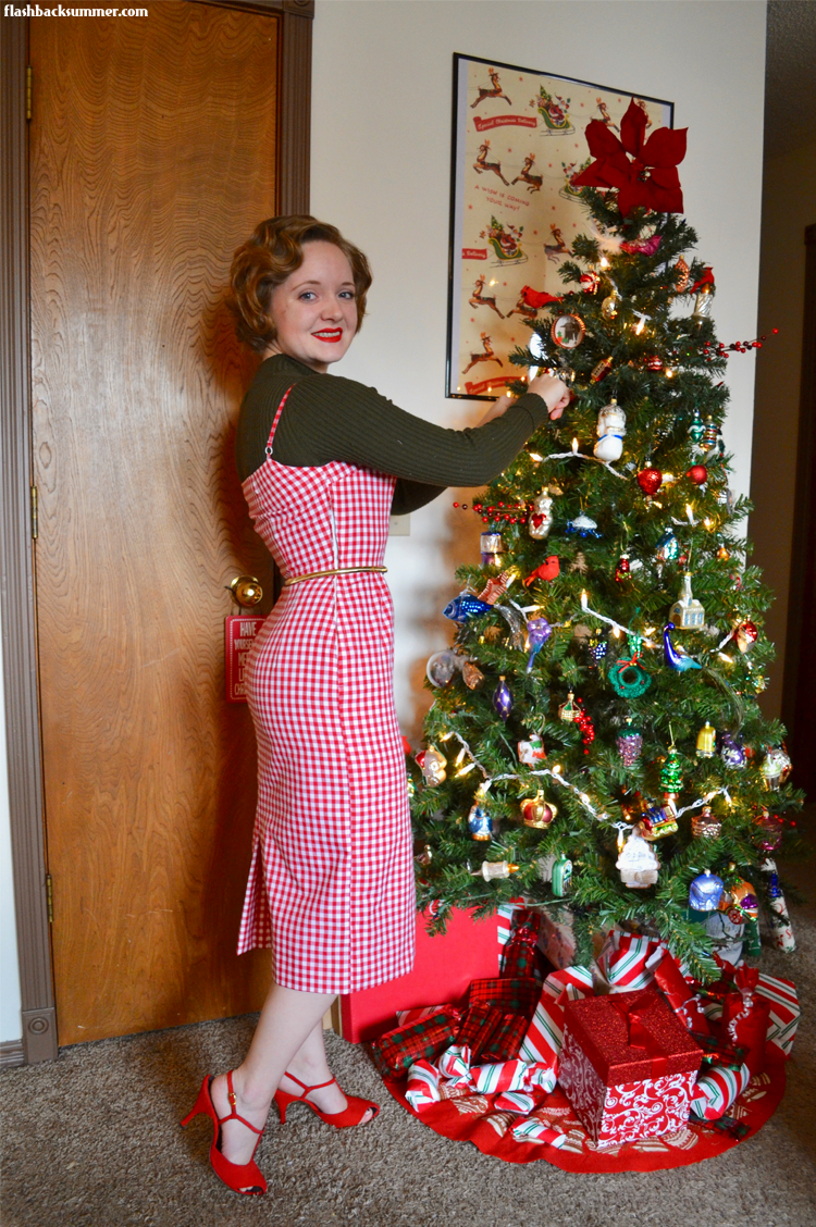 Flashback Summer: Red Gingham Wiggle Dress vintage 1960s