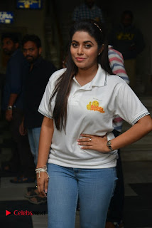 Actress Poorna Stills in Jeans with Jayammu Nischayammu Raa Team at Satyam Theatre 0003