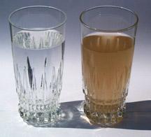Vanduo smirda geležimi arba supuvusiais kiaušiniais