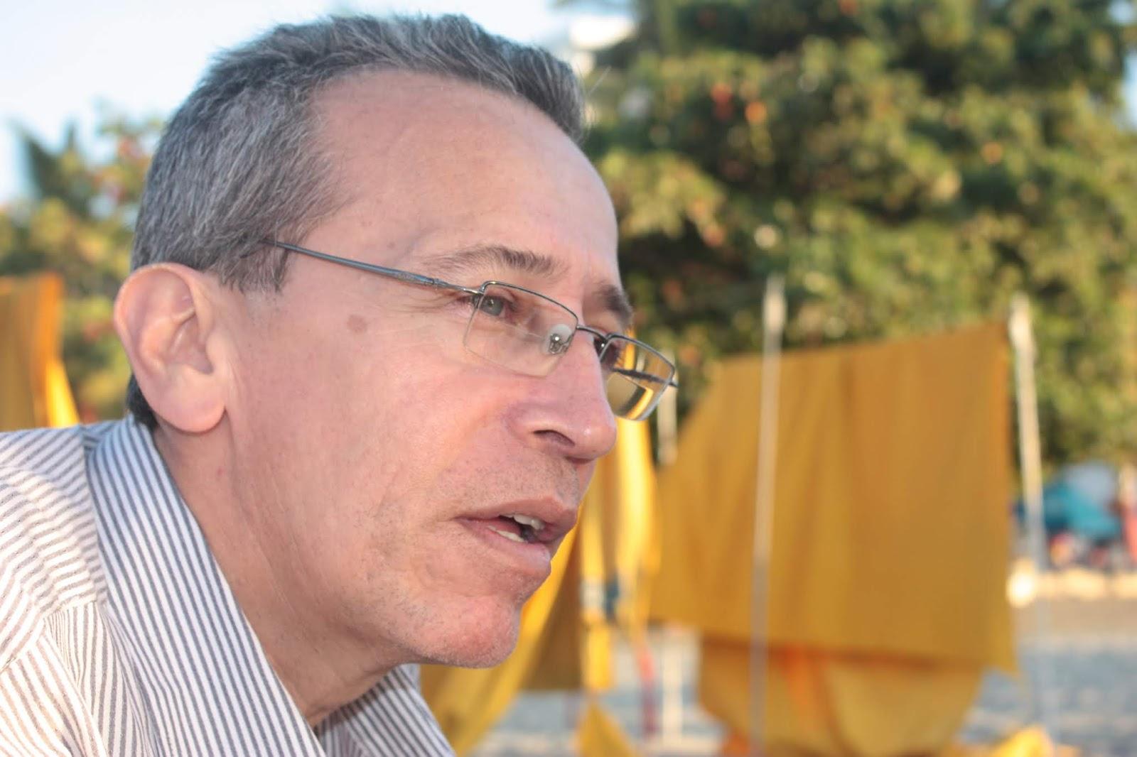 6de0beb4b1 (Bucaramanga - Colombia 1958) Ha sido editor, coordinador de talleres  literarios, ponente en encuentros de escritores, columnista en diferentes  medios y ha ...