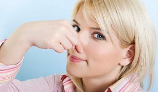 طرق طبيعية وبسيطة التخلص من رائحة الفم غير المحببة