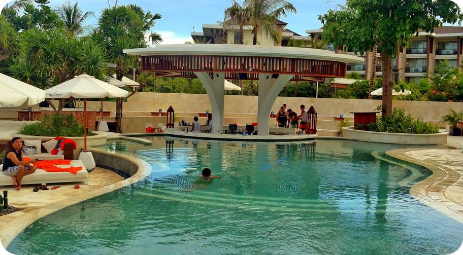 Kolam Renang Nikki Beach Club Bali