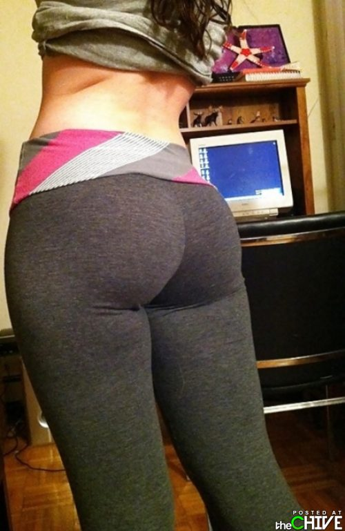 Girls in yoga pants pics