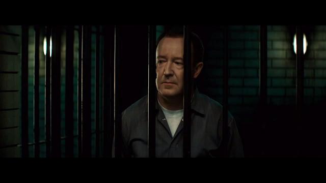 'Ralph Beswick' Rolünde Bulunan Jonathan Watson.