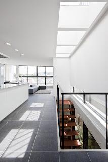 Casa en Eifukucho de Upsetters architects