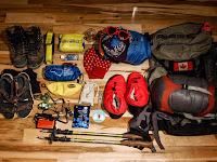 5 Hal yang Perlu Dibawa saat Mendaki Selain Sandal Gunung