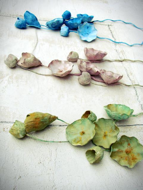 Maxy collane di carta dipinte a mano by Alessandra Fabre Repetto
