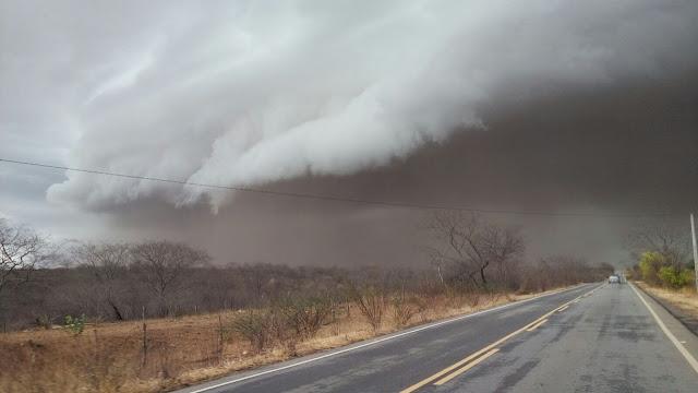 Resultado de imagem para chuva em pernambuco