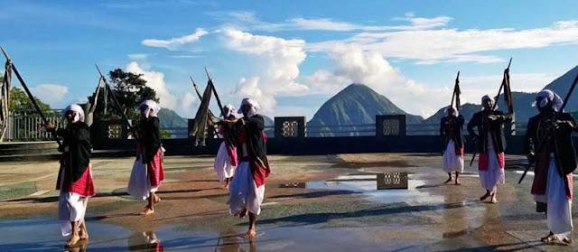 Tari Tandang Mendet Khas Suku Sasak