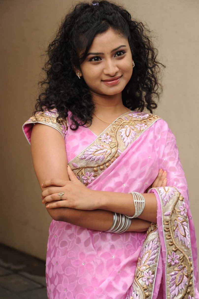 Vishnu priya latest photos in pink saree