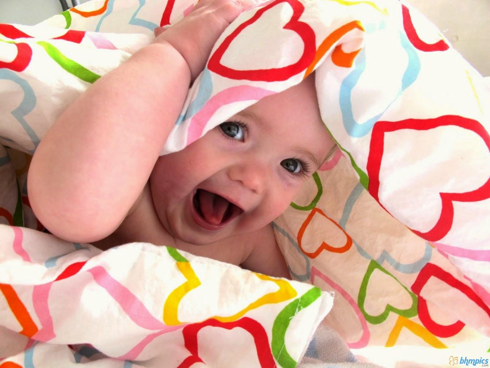 Ekspresi bayi paling lucu dan ceria