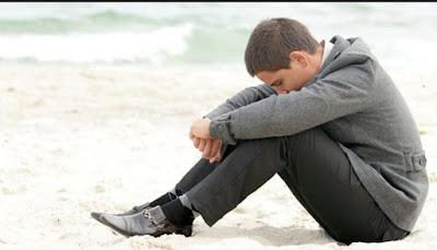 6 Hal yang Dirasakan Pria Saat Patah Hati