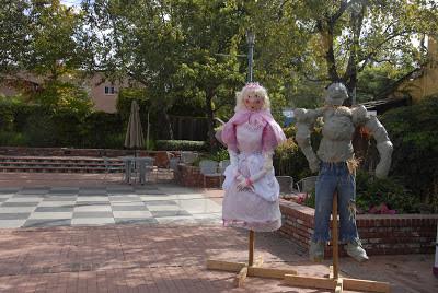 princess and haulk scarecrow: LadyD Books