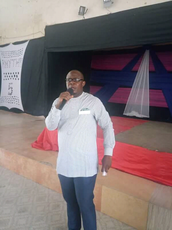 Ikpeazu aide admonishes Nigerian Youths to use Social Media to promote peace and foster unity.
