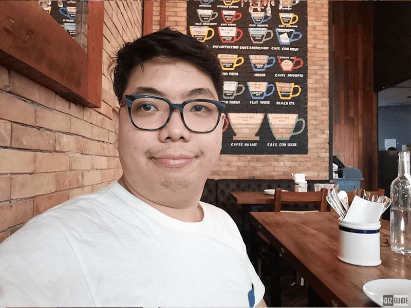 Nova 4 low light selfie