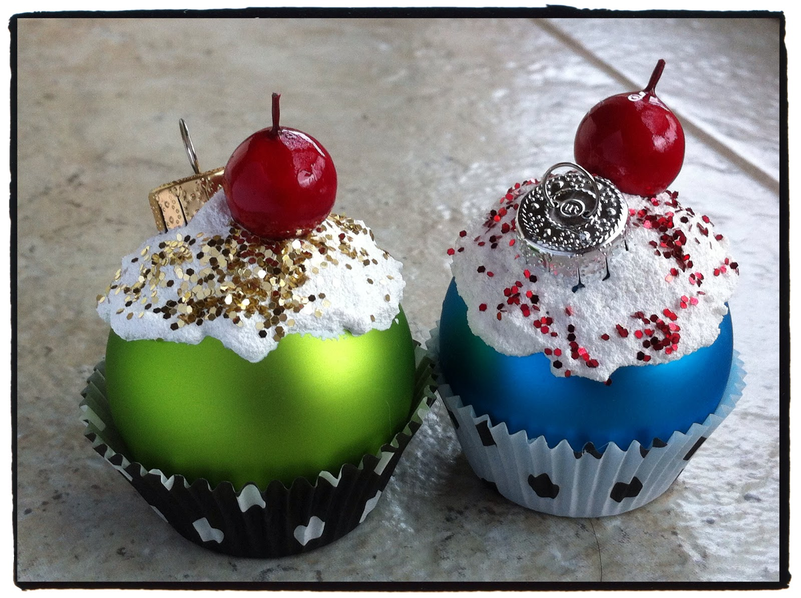 Running With Craft Scissors: Cupcake Ornaments
