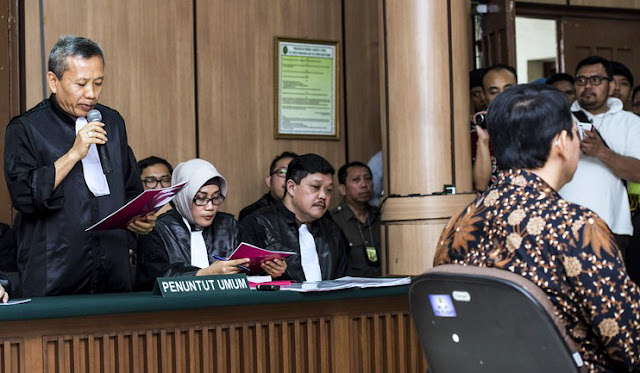 Ahok Sebut Oknum Pengecut Pakai Al Maidah, Jaksa: Seolah-olah Dia Paling Benar