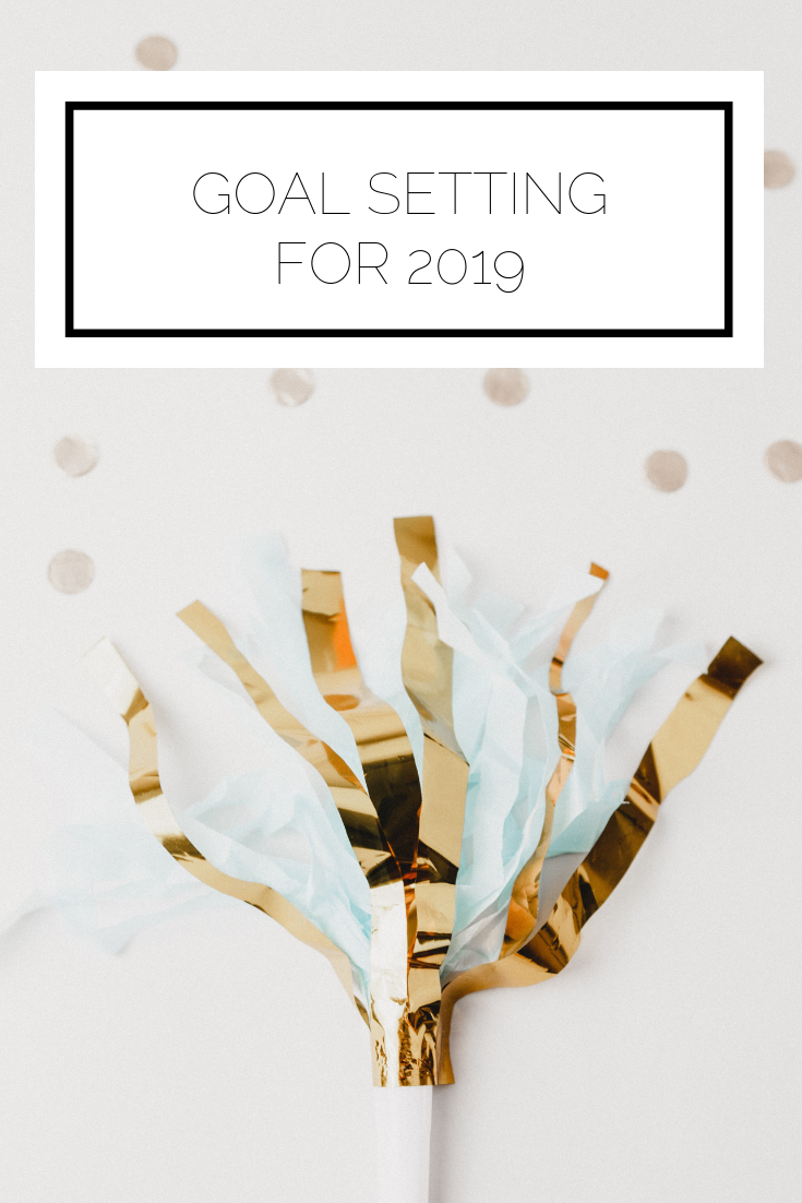 Click to read now or pin to save for later! Now that 2019 is nearly upon us, it's time to set some goals and get ready for the new year. Check out this post to help you figure out what to focus on