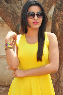 Yamini Malhotra in super cute yellow short dress on the sets of Chuttalabbayi