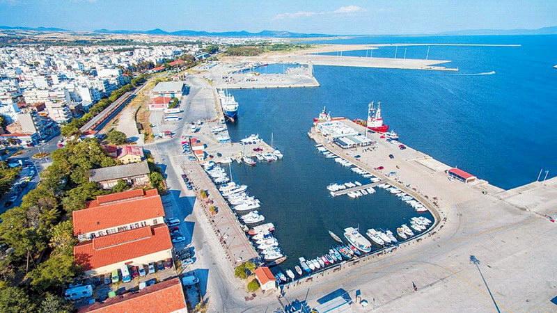 «Σκληρό πόκερ» και συμμαχίες για το λιμάνι της Αλεξανδρούπολης