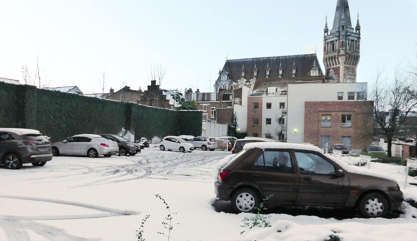 Le parking sous la neige en 2019