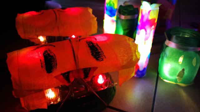 Jak zrobić straszne latarki?