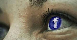 تحذير هام : الفيس بوك يلتقط صورا سرية لك من دون أن تدري لأغراض تجسسية !