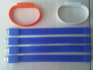 Jual Flashdisk Unik Bentuk Gelang Tangan Cantik - WRISTBAND Bracelet Silicon